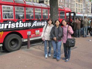 3 tourists!