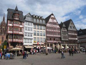 Romerberg - Ostzeile (Tudor style houses)
